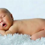 Ученые объяснили пользу сна голышом